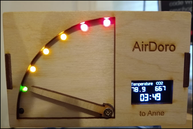AirDoro running with time and temperature showing.